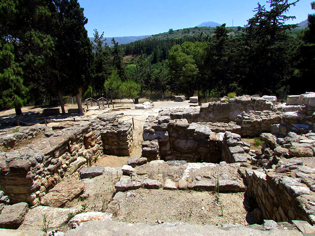 2 Minoan Labyrinth